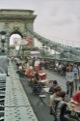 F�te sur le pont ... on y mange tous en rond