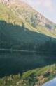 Lac et refuge Morskie Oko au petit matin, vu depuis mon bivouac<br> (Hautes Tatras - Pologne)