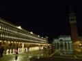 Place Saint Marc de nuit - Venise