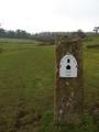 Borne indiquant le milieu (ou presque) de la Cotswold Way